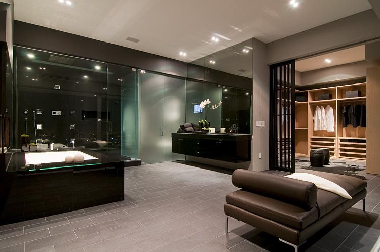 California Modern Luxury Residence