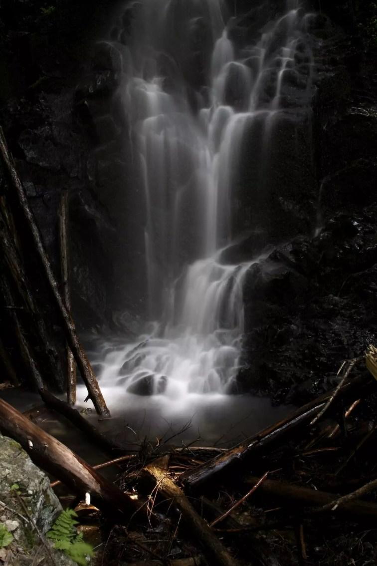Mossy_Cascade_Brook_Falls
