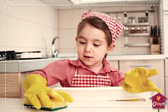 Fazer seu filho ajudar em casa auxilia também o desenvolvimento dele