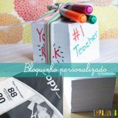 Um bloco de notas sem graça pode ser personalizado pela própri criança com canetinha.