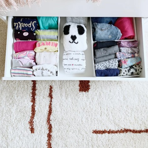STYLED AND ORGANIZED LITTLE GIRL'S BEDROOM - organized drawer