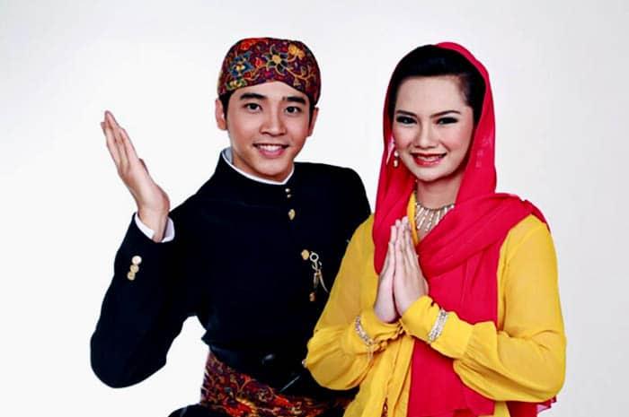 Foto Baju Adat Daerah Di Indonesia 13 Pakaian Adat Berbagai Daerah Di Indonesia Yang Wajib Diketahui