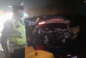 Ngeri..! Dua Mobil Tabrakan di KM 184.300 Tol Cikopo-Palimanan Cipali 8 Tewas Ditempat