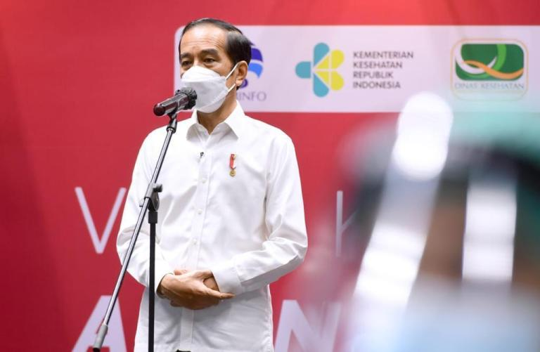 Presiden Jokowi Hadiri Vaksinasi Massal Insan Media di GBk