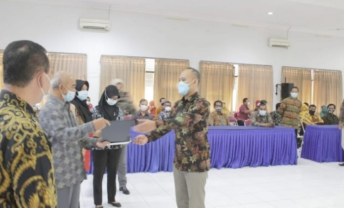 Rektor Unwidha Klaten Kukuhkan 70 Mahasiswa Lulusan PPG