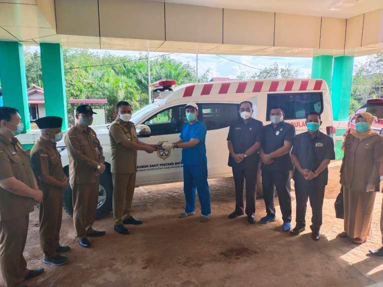 Satu Unit Mobil Ambulan untuk RS.Pratama di Buil Diserahkan Bupati Melawi