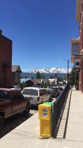 Aspen, şehrin dört bir tarafı dağ
