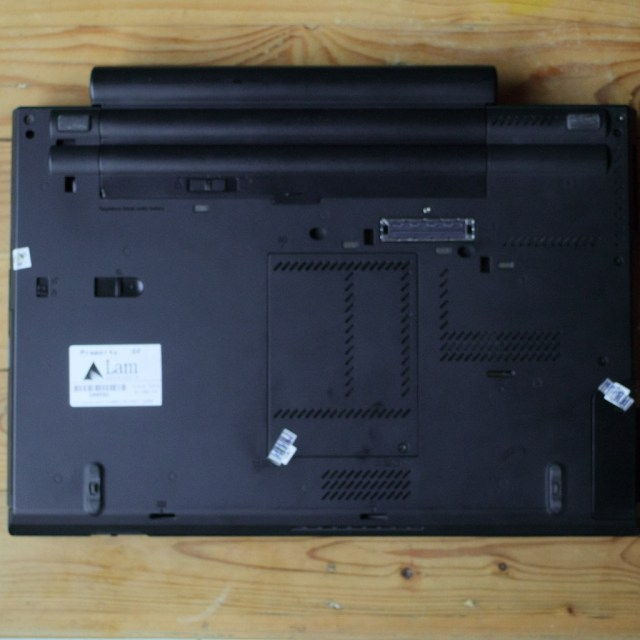 gambar belakang lenovo thinkpad t430