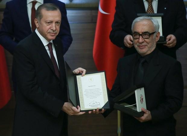 Şener Şen Cumhurbaşkanlığı Ödülleri