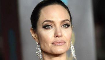 """Brad Pitt è """"sinceramente sconvolto"""" dalla battaglia di Angelina Jolie"""