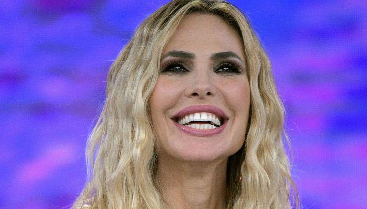 Ilary Blasi battezza la nipote Jolie: niente tacchi e Totti assente