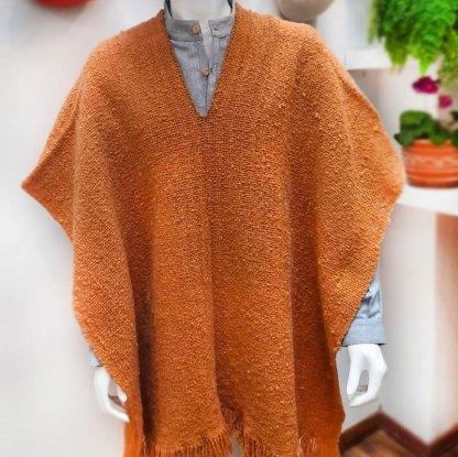 Ruana en lana virgen