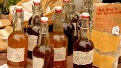 Rice Vinegar Substitute: What Can I Substitute for Rice Vinegar?