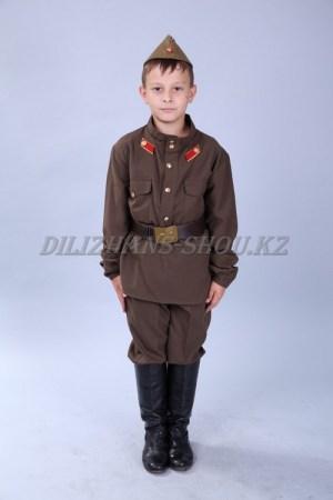 0736. Военный (Советский солдат)