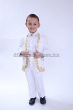 0411. Детский костюм с национальным казахским орнаментом