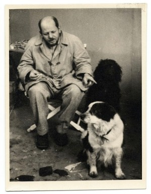 Jackson Pollock with his dogs.