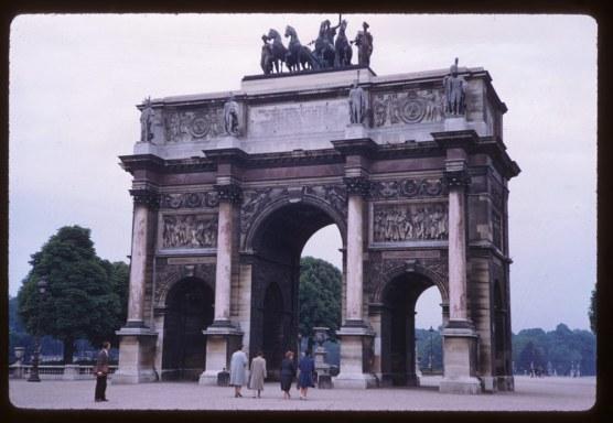 Arch-Carrousel