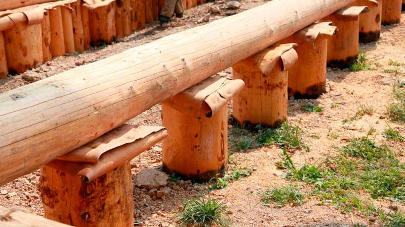 derevyannyj-stolbchatyj-fundament