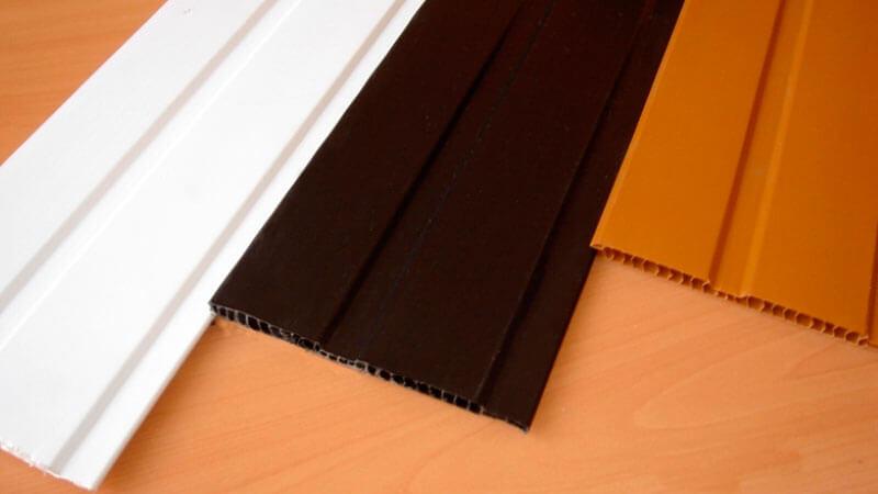 пластиковых панелей для обшивки потолка