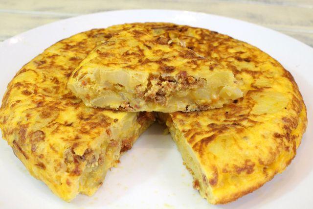 Tortilla de patata y chorizo