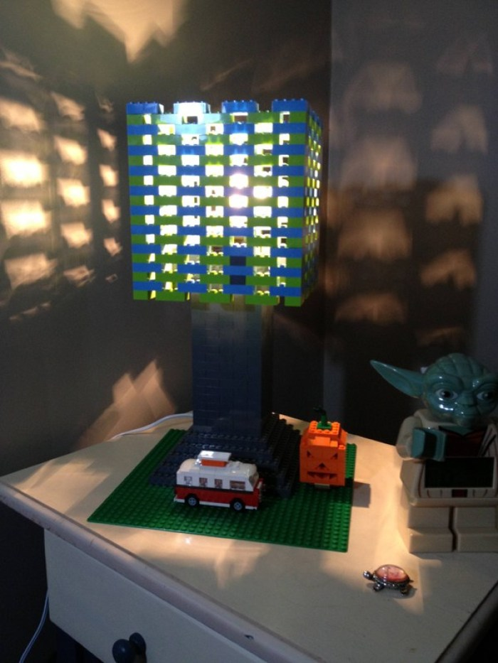 LEGO Sebagai hiasan lampu