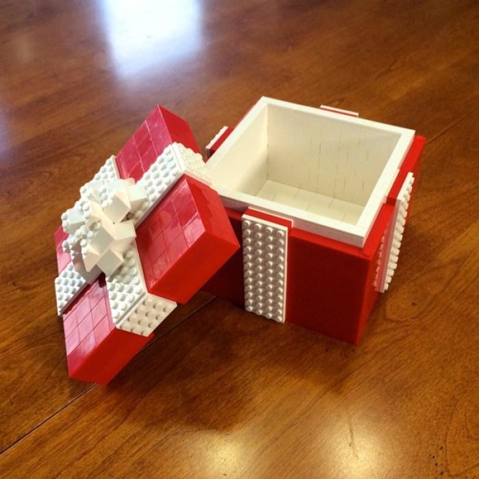 Permainan Lego untuk kotak kado