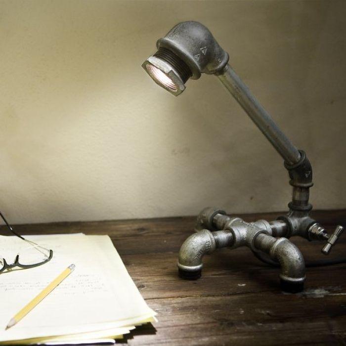 Manfaatkan pipa besimu menjadi lampu belajar