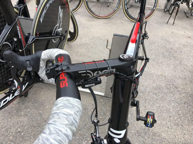 Potence très longue sur un vélo. Pour trouver les bonne dimensions de votre vélo indépendamment de sa taille