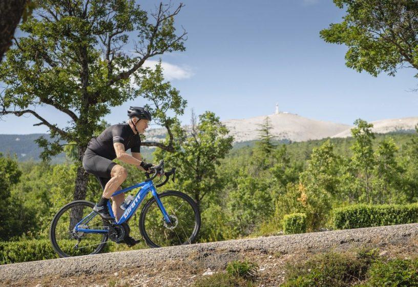 Giant Road E+ Pro dans le mont Ventoux