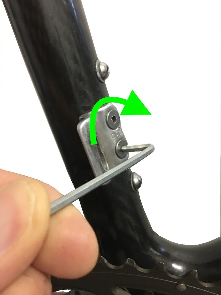 serrage de la patte avant de dérailleur