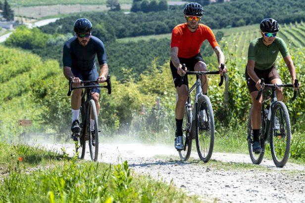 Trois cyclistes en Gravel