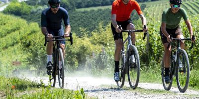 Cyclistes faisant du Gravel avec pneu Pirelli