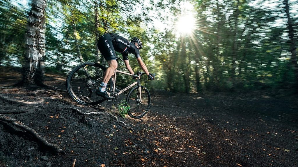 Gravel Origine Trail en sous-bois