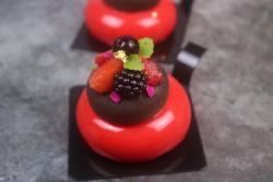 Recette entremets fruits rouges sésame noir