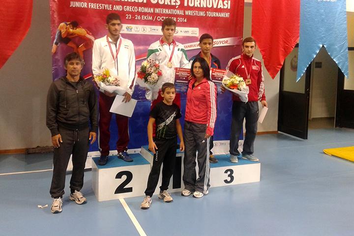 Микяй Наим надвива иранец и печели турнира в Истанбул