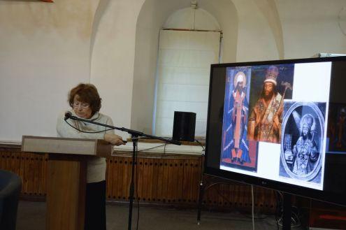 С докладом о посохах св. Димитрия Ростовского выступает Брюханова Е. В.