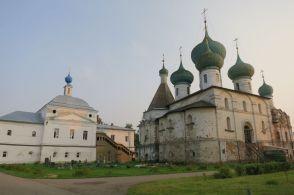 Богоявленский собор и Введенский храм Авраамиева монастыря