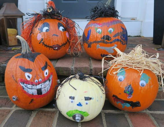 Pumpkin Painting Craft - dimplesonmywhat.com