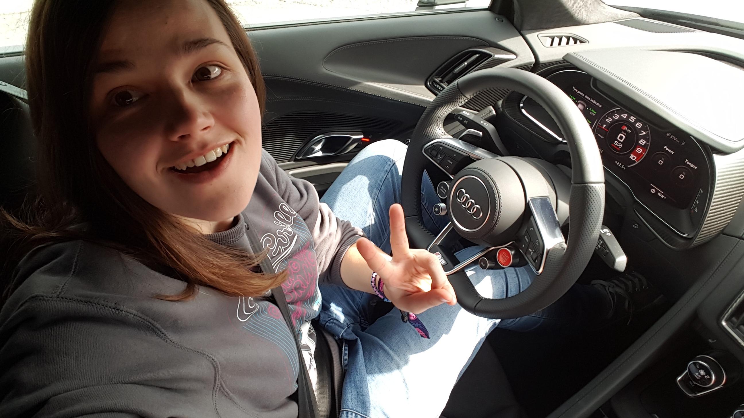 Moterų slalomas: kai moteris prie vairo – kaip vaivorykštėm kakojantis vienaragis