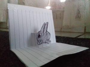 gambar foto kertas lipat pop up, kertas timbul bergambar kelinci lucu hitam putih