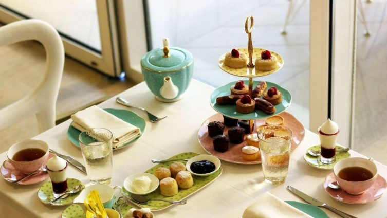 Afternoon tea is served every Friday and Saturday, from 2:30 p.m. to 5:00 p.m
