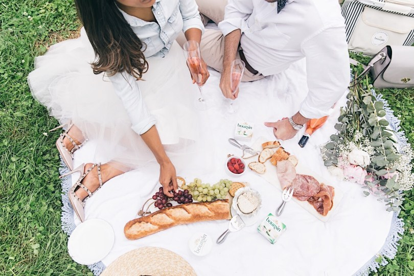 Perfect chic picnic setting
