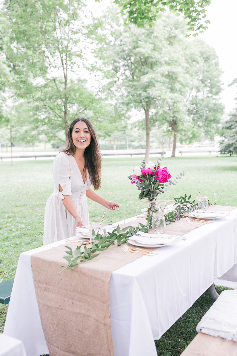 Setting the table for a perfect picnic in the park