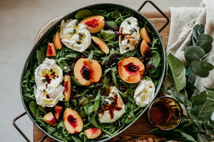 peach & burrata salad