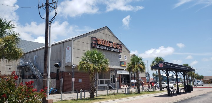 Willie G's isn't our favorite place in Galveston, but it is a solid option right on the pier.