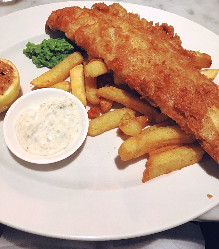 Fish & Chips with mushy peas and tartare sauce