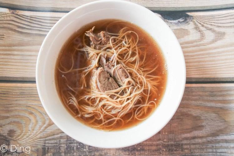 台南中西區美食 民生路上好吃的當歸鴨麵線、米血、豬腳,平價美食老店「松竹當歸鴨」。