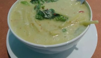 Coccnut Island Green Curry Soup