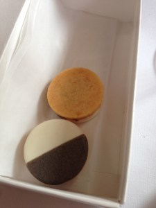 Savory black and white cheese cookie with apple