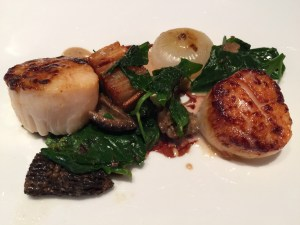 Capesante: seared sea scallops, crispy potato, bluefoots, spinach, mushroom cream